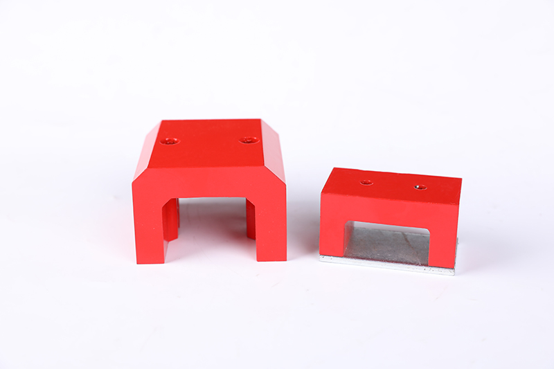 Magnetic horseshoe magnet