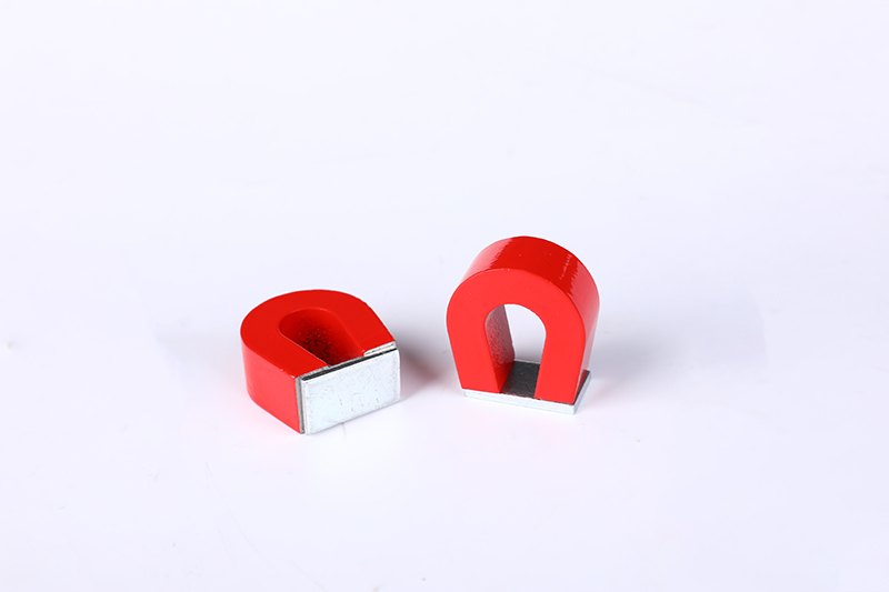 Round horseshoe magnet